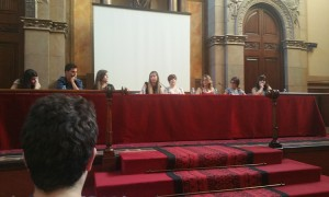 De derecha a izquierda: Judit Tur, David Fernandez, Elena Candil, Marina Amores, Nerea Díaz, Carla Doyle, Andrea Sacci y Paula Martín.